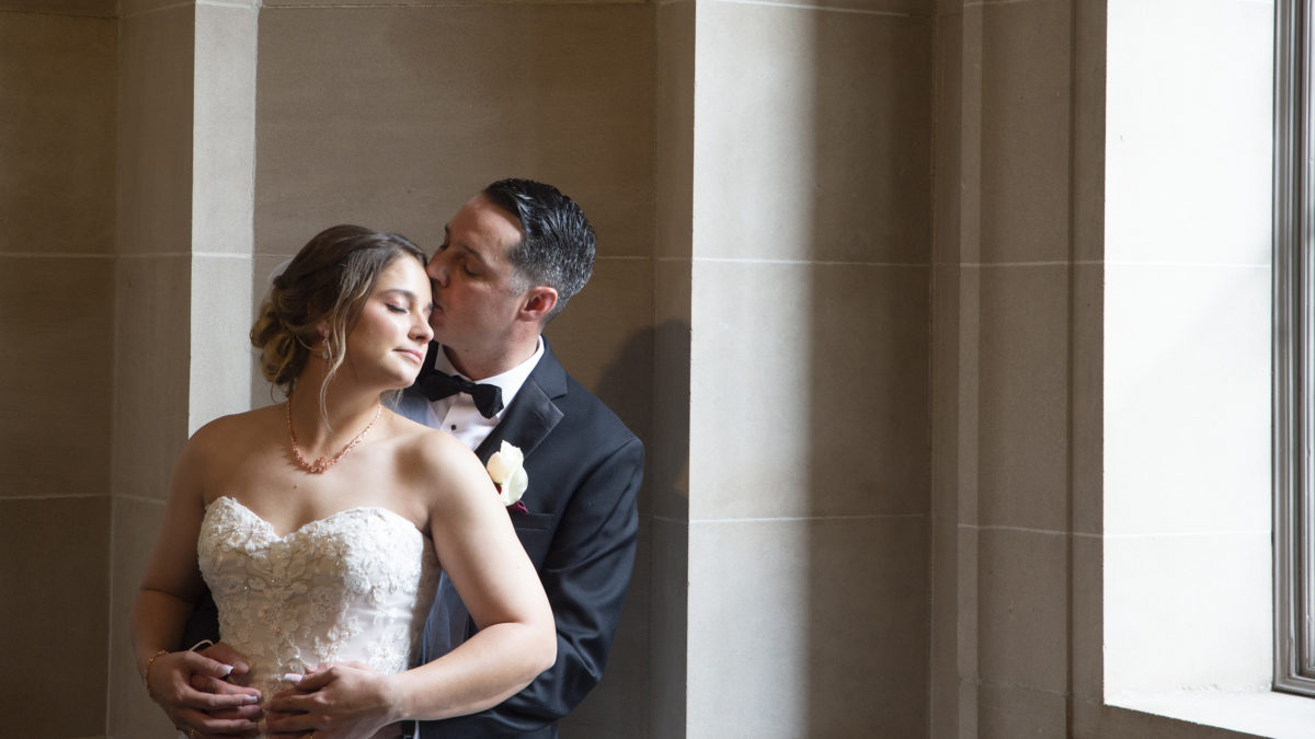 Romantic Photojournalism at San Francisco city hall